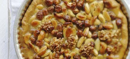 Tarte aux fruits secs et au caramel beurre salé