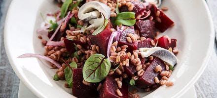 Salade de blé au hareng et betteraves