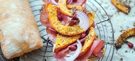 Panini bresaola, oignons rouges et potimarron rôti