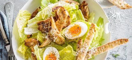 Salade césar, sauce aux herbes