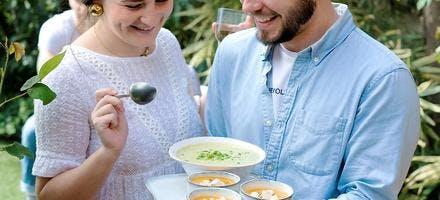 Velouté de courgettes et petits pois à la menthe & Soupe de melon, brebis et thym