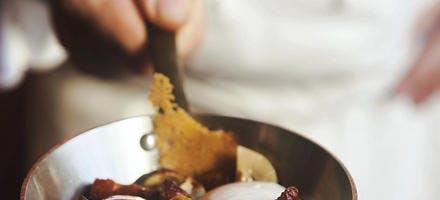 Oeufs meurette à la beaujolaise
