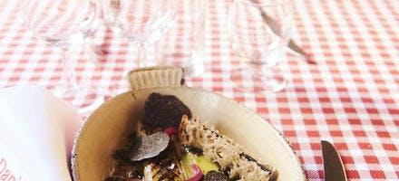 Poireaux grillés, vinaigrette à la truffe