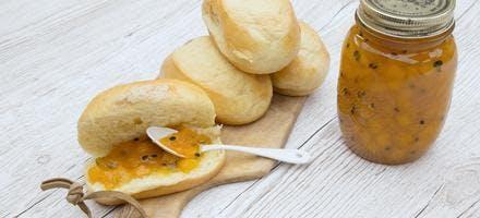Confiture de mangues, fruits de la passion, gingembre