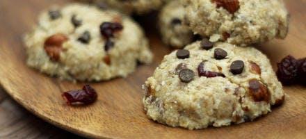 Cookies sans cuisson aux fruits secs et pépites de chocolat