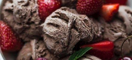 Glace au chocolat et cookies