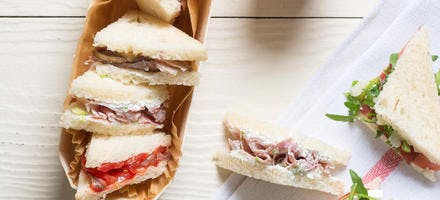 Assortiment de mini-sandwichs tramezzini