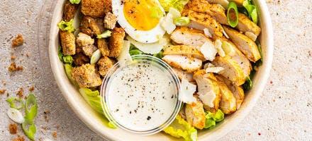 Salade César aux blancs de poulet