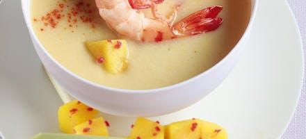 Soupe coco-crevettes, cubes de mangue