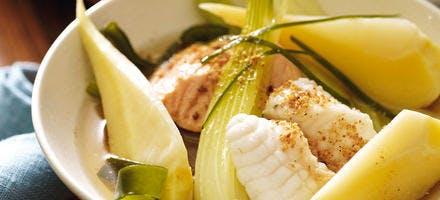 Pot-au-feu de lotte et saumon biologique au panais, au fenouil et au kombu