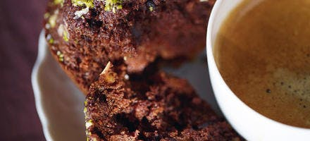 Gâteaux coco, pistaches et chocolat