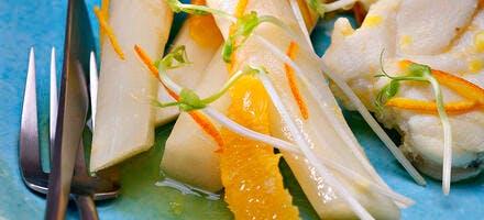 Asperges blanches poêlées, sauce orange