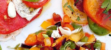 Tartare de tomates aux olives, sauce ricotta