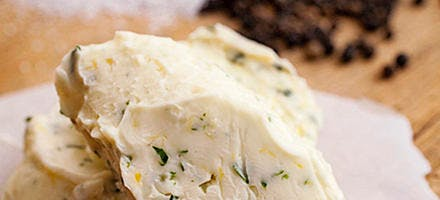 Beurre de citron vert et d'aneth