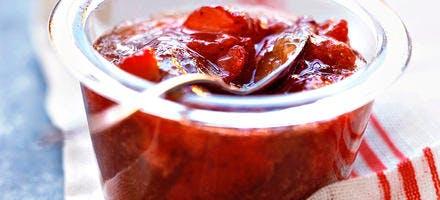 Marmelade de rhubarbe, fraises et gingembre