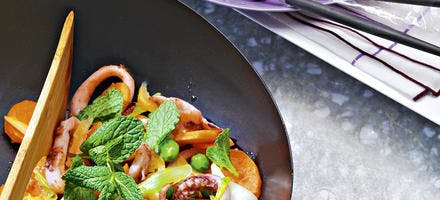 Papillote de maquereau, jambon cru, oseille et asperges vertes