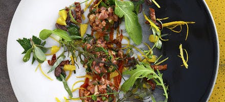 Tartare de taureau façon gardianne, olives noires et agrumes