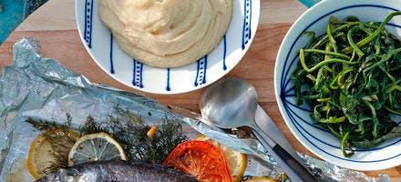 Dorade au fenouil, purée de fèves et chicorée sauvage