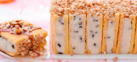 Sandwichs glacés poire-chocolat, amandes caramélisées à la fleur de sel
