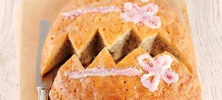 Gâteau de Pâques brioché aux noisettes