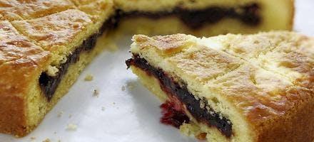 Gâteau basque aux cerises noires
