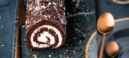 Bûche roulée coco-chocolat façon Kinder Délice