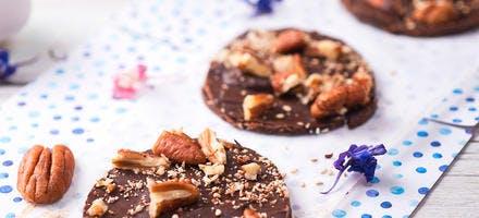 Mendiants au chocolat et noix