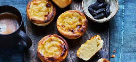 Petites tartes façon pastéis de nata, café et fève tonka