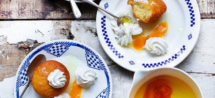Petits babas au rhum et à l'orange
