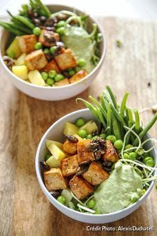 Tofu caramélisé à la crème de coriandre, haricots verts et pommes de terre