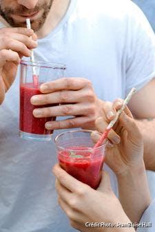 Smoothie fraise-framboise et basilic