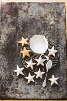 Biscuits étoiles de Noël à la cannelle