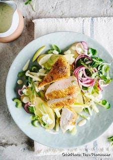 Salade de pommes de terre, poulet grillé et pomme Granny-Smith