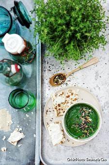 Soupe de cresson aux graines toastées