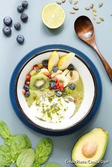 Smoothie bowl vert au moringa