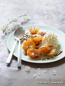 Abricots rôtis et chantilly au reblochon