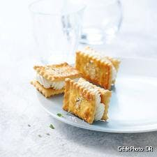 hs12-crackers-fromage-DR.jpg