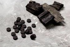 Compléments alimentaires au charbon activé