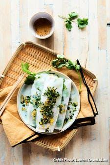 Banh cuon jambon et courgettes, sauce acidulée