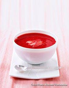 Soupe de fraises à la fleur de sel