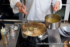Préparation d'un risotto