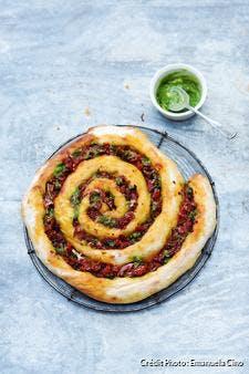 Pizza tourbillon pesto, jambon et tomates confites