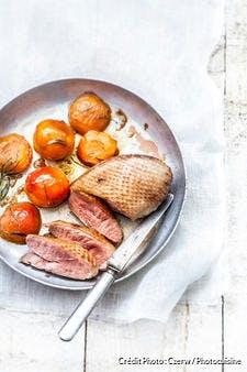 Magrets de canard aux abricots et au romarin