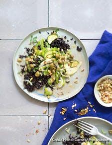 Pilaf de riz noir aux courgettes, poivron vert, fenouil et pistaches