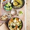 Tagliatelles aux légumes, bouillon curry-coco