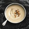 Soupe de céleri, châtaignes et noix