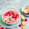 Mousse framboises-pistaches, biscuits sésame