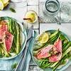 Rougets grillés, haricots verts, asperges vertes et fenouil cru